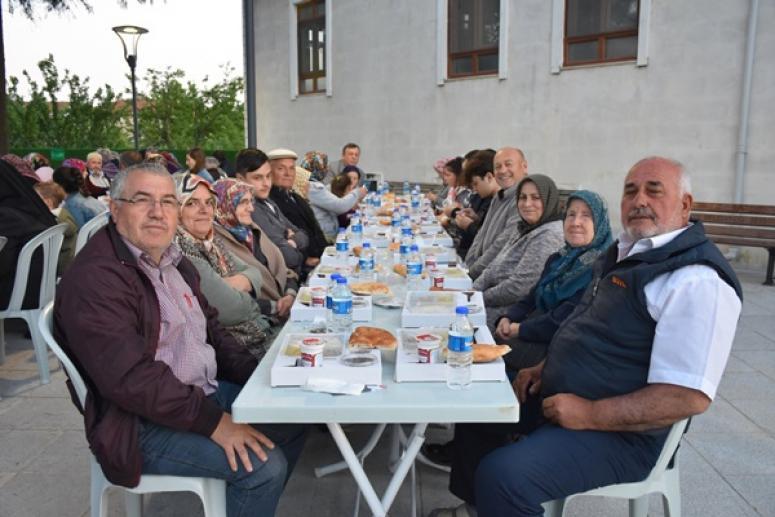 Büyükkılıçlı Mahallesi Gönül Sofrası'nda buluştu