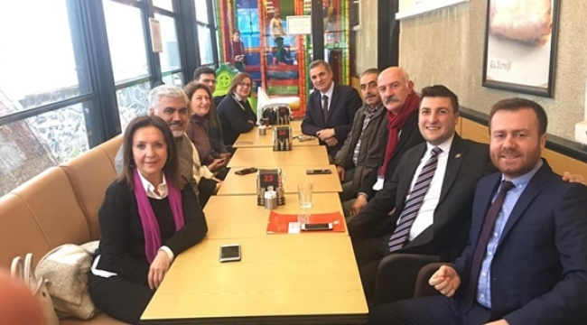 3. Bölge Parti Okulu Eğitmenlerinden Esen'e Tebrik Ziyareti