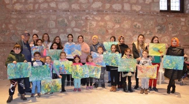 Minik Kursiyerler Ebru Sanatı İle Tanıştı