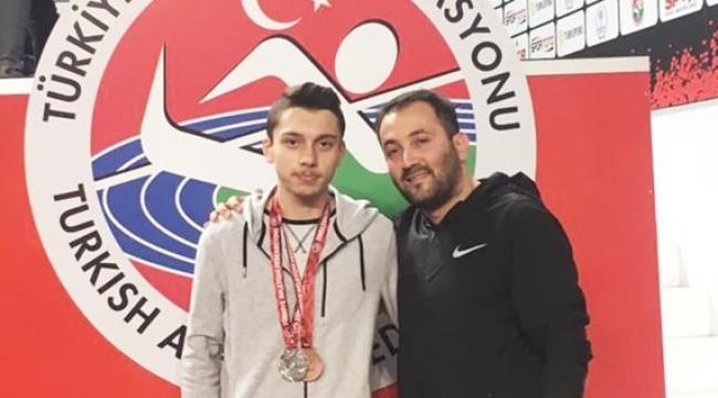 Silivrili Lise Öğrencisinden Atletizmde Türkiye Başarısı