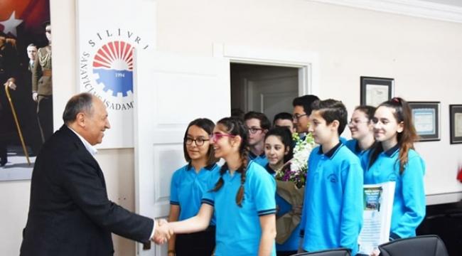 Ertuğrul Gazi Öğrencilerinden Silivri SİAD'a Teşekkür Ziyareti