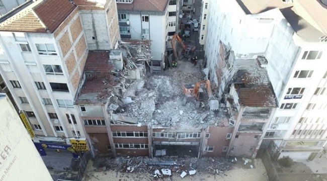 Silivri Eski İlçe Emniyet Binası Yıkıldı