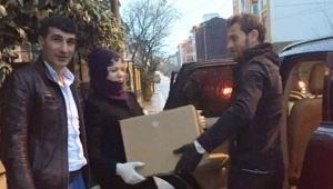 Akan Auto İhtiyaç Sahibi Vatandaşlara Yardım Kolisi Dağıttı