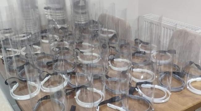 Gümüşyaka Ortaokulu'ndan Sağlık Personellerine Yüz Siperi
