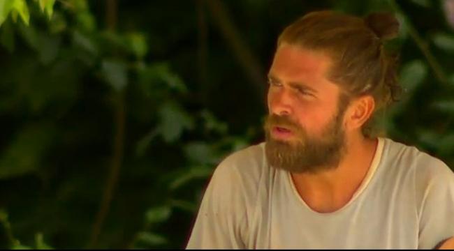 Survivor Mert'ten Yunus Emre'ye tepki: Oğlum adam atamadı neden duruyorsun?