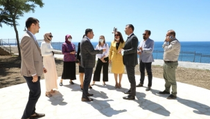 Başkan Yılmaz, Meclis Üyeleriyle Birlikte Kale Parkı İnceledi