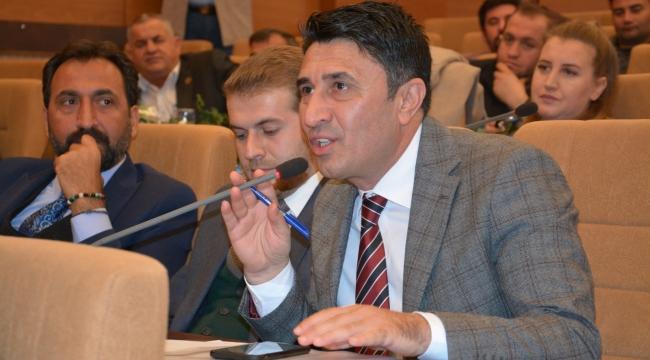 Yazıcı, Selimpaşa Mezarlığı'nın deprem toplanma alanı olarak belirlenmesine tepki gösterdi