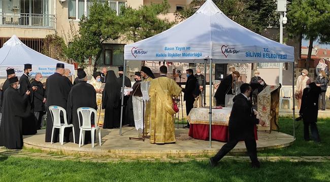 Papazlar Silivri'de Ayin Yaptı