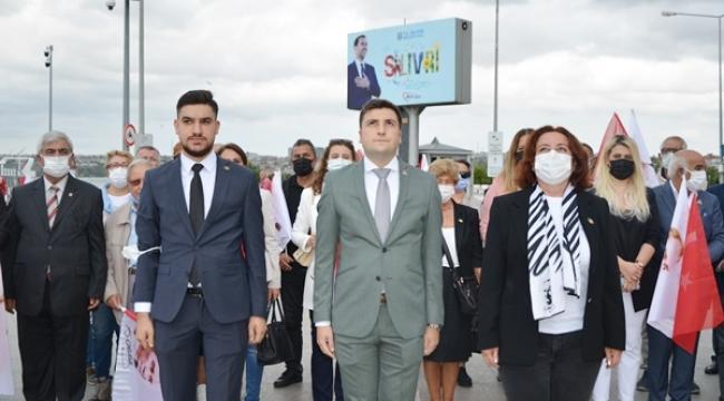 CHP'nin 98. Kuruluş Yıldönümü Atatürk Anıtında Kutlandı