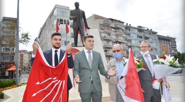 CHP Silivri'nin en genç ve en yaş almış üyeleri onurlandırıldı