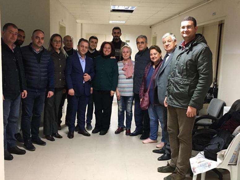 CHP'liler demokrasi nöbetini sürdürüyor