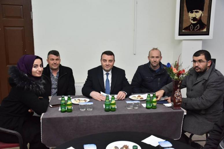 AK Parti'den seçim bürolarına ziyaret