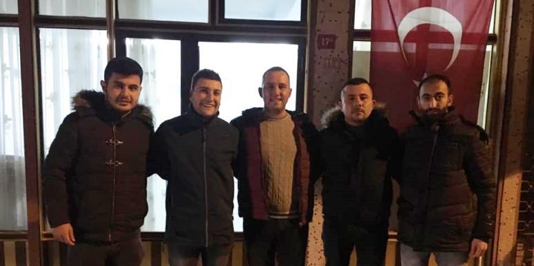 CHP'li gençlerden Ortaköy çıkarması