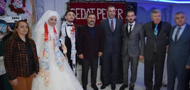 Talha Çetin'in kardeşi evlendi