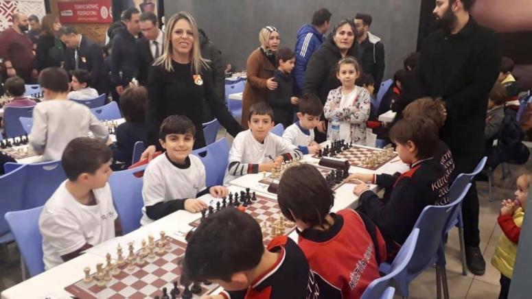 Turgut Reis Öğrencileri Satranç Turnuvasına Katıldı