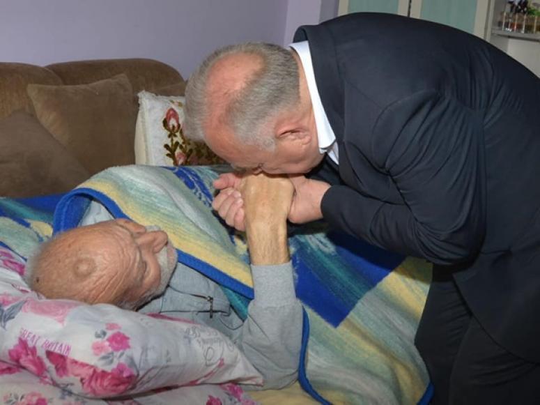 Değirmenci'den 98 yaşındaki Mustafa dedeye ziyaret