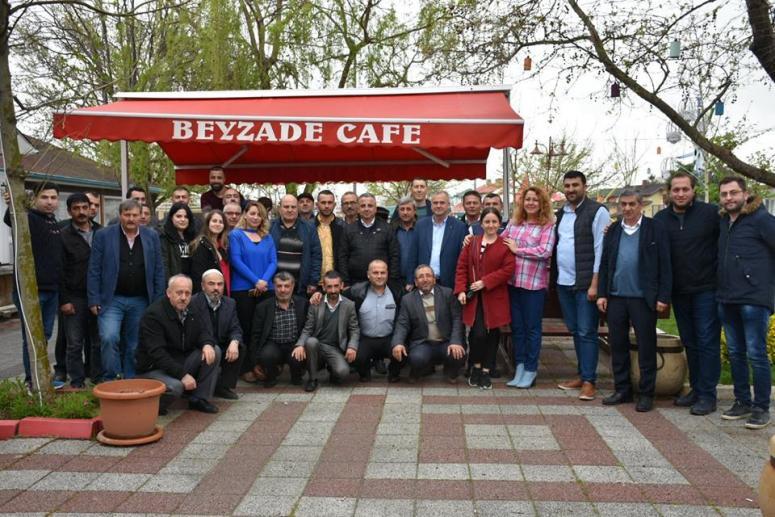 Meclis üyeleri, mahalle başkanlarıyla kahvaltıda buluştu