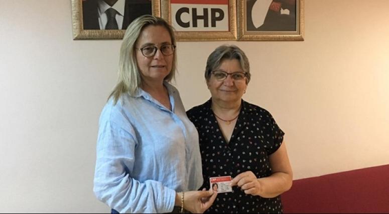 Çeşmecioğlu, CHP'ye üye oldu