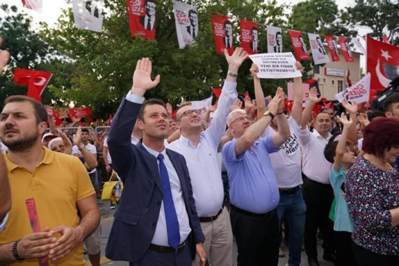 Ahmet Sarıkurt da İmamoğlu mitingindeydi