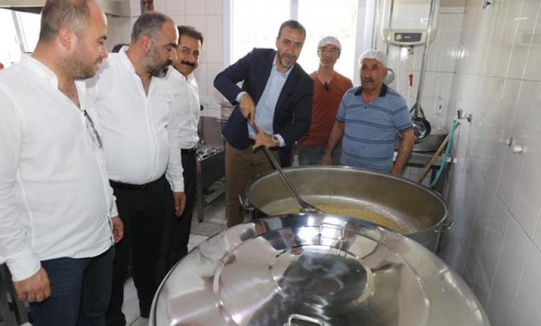 Cemevi'nde Abdal Musa birlik lokması paylaşıldı
