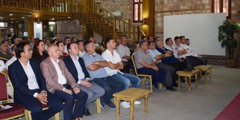 Silivri'de üreticiler desteklemeler konusunda bilgilendirildi