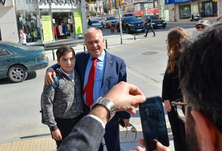 Değirmenci'ye Silivri sokaklarında sevgi gösterisi