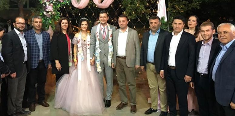 Tonta'nın Kızı Nişanlandı