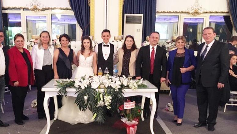Hakan Sefa, oğlunu evlendirdi