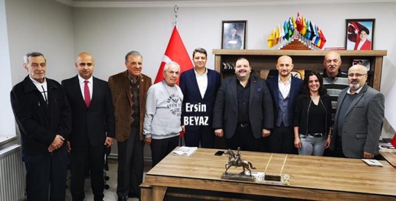 Akşener'in Başdanışmanından İYİ Parti'ye ziyaret