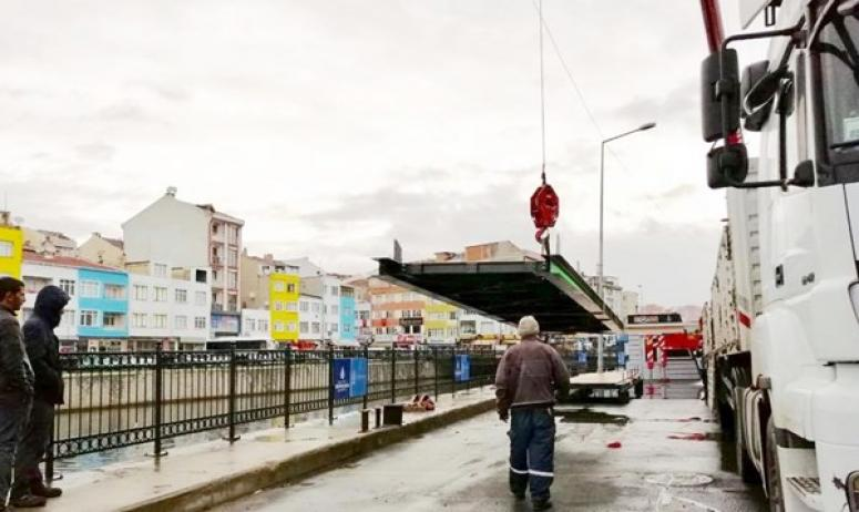 Mobil Köprünün Montajına Başlandı