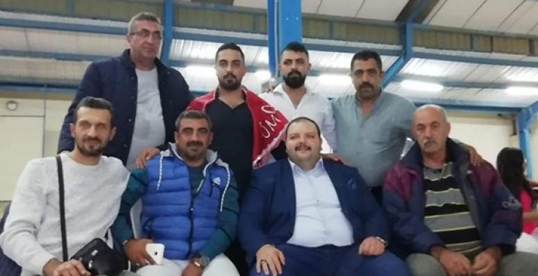 Ersaraç, Gümüşyaka'da Asker Eğlencesine Katıldı