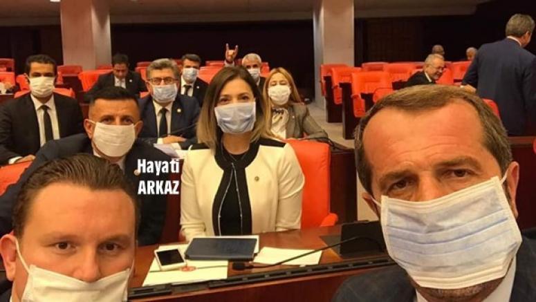 Arkaz, Lösemili Çocuklara Destek Olmak İçin Maske Taktı