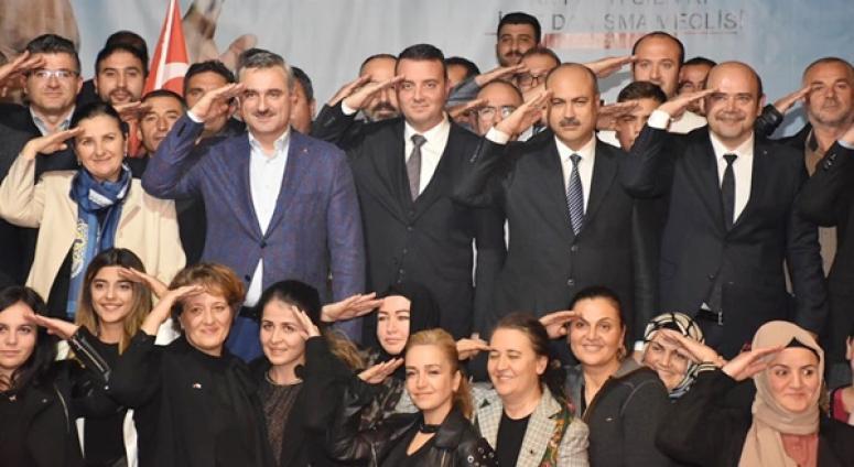 AK Parti, 'Türkiye Sevdasıyla Yaşımız Hep 18' Dedi