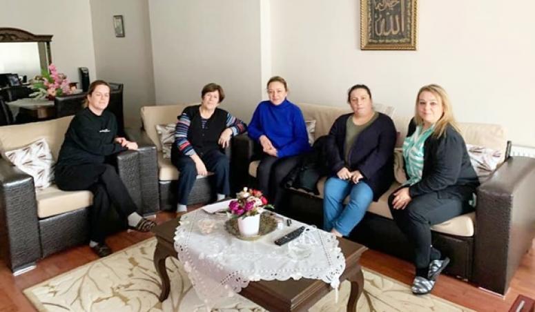 AK Kadınlardan Ev Ziyareti