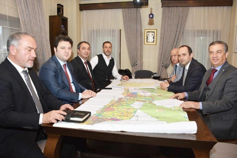 İBB'nin üst düzey yöneticileri, Yılmaz'la bir araya geldi