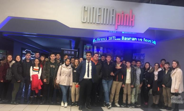 Tarım Lisesi'nin Başarılı Öğrencileri, Sinemayla Ödüllendirildi