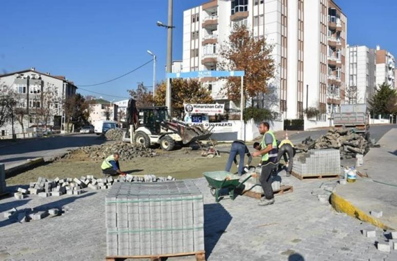 Mimar Sinan'da Kilit Parke Taşı Döşeme Çalışması
