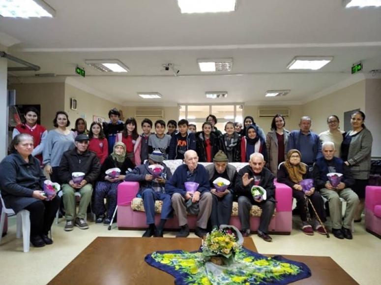Ahmet Ziylan Öğrencilerinden Huzurevi Ziyareti