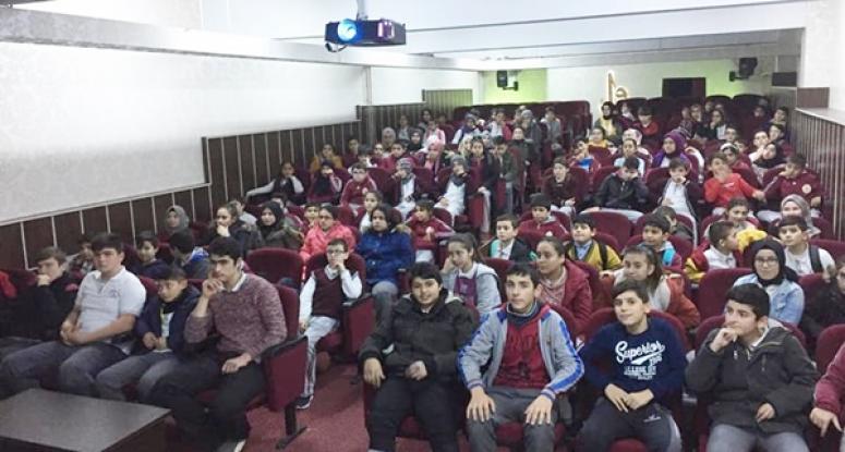 Yunus Emre'de öğrencilere 'Verimli Ders Çalışma Teknikleri' anlatıldı