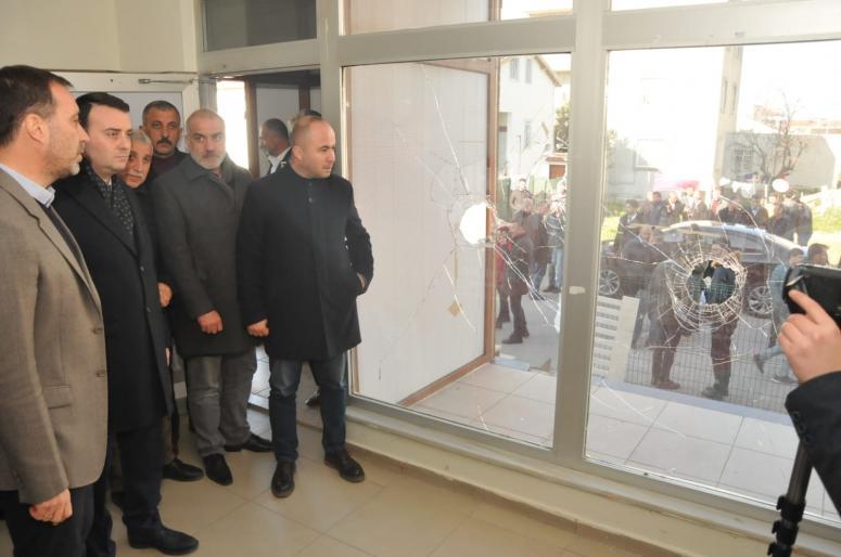 Cumhur ittifakı Silivri Seçim irtibat bürosuna saldırı