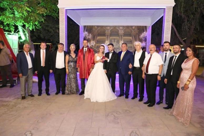 Ağa kızının düğününe davetli akını