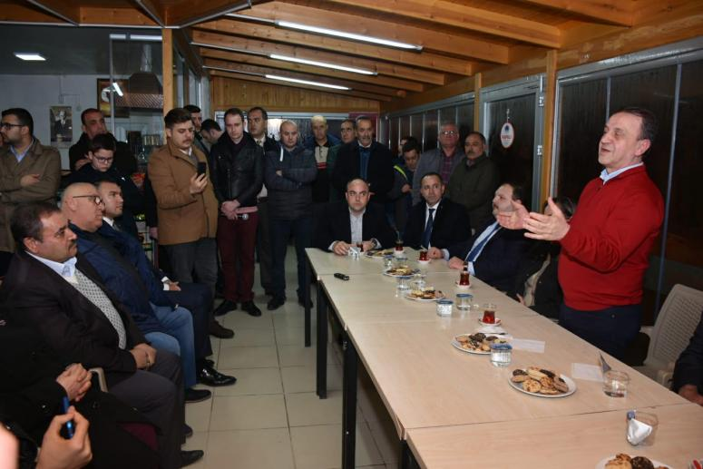 Özcan Işıklar ve ekibi Öz Alibeyliler'i ziyaret etti