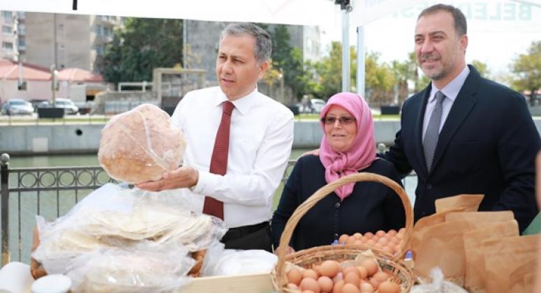 Vali Yerlikaya, Silivri Köy Pazarı'nı Ziyaret Etti