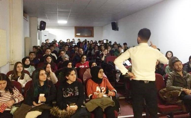 Atatürk Anadolu Lisesi Öğrencileri Motivasyon Semineri Aldı
