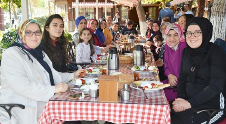 BBP'li Kadınlar Kahvaltıda Buluştu