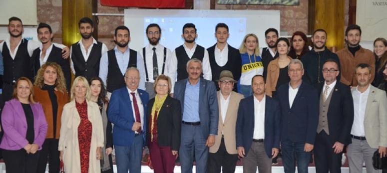 Cumhuriyet Balosu'na yoğun ilgi