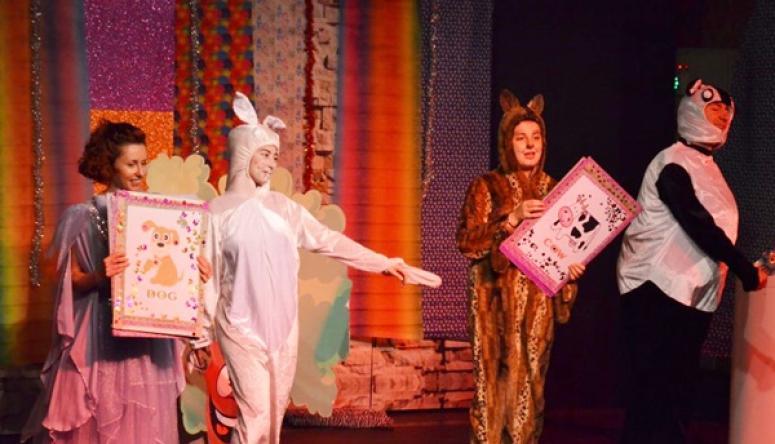 Minikler Hop Hop Tavşanla İngilizce Öğrendi