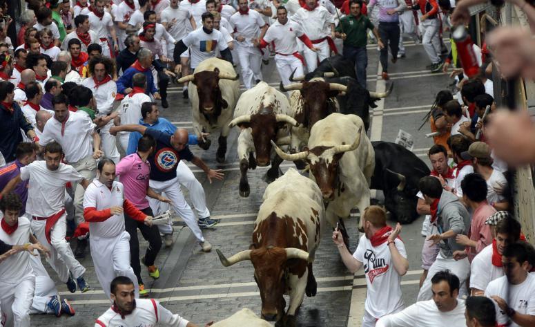 İspanyada Boğa Koşusu Yapıldı