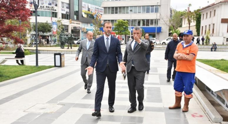 Başkan Yılmaz 19 Mayıs Meydanı'nı inceledi