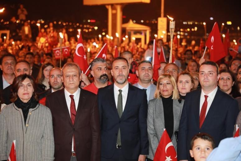 Binlerce Silivrili Cumhuriyet Yürüyüşü'nde Buluştu